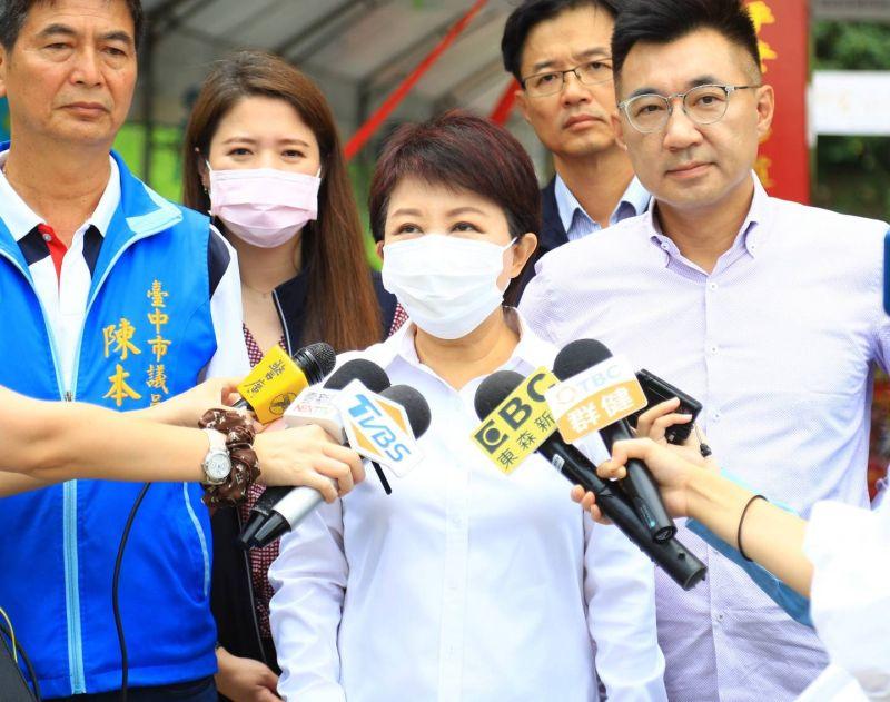 獲頒世界NGO日榮譽勳章  盧秀燕:更重視民間力量