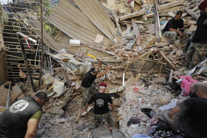 ▲黎巴嫩首都貝魯特大爆炸釀成嚴重死傷,貝魯特幾乎被摧毀,援救工作也還在進行中。(圖/美聯社/達志影像)
