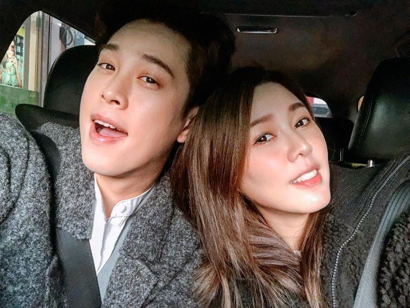 ▲白家綺(右)2018年與同為演員的吳東諺(左)步入禮堂。(圖/吳東諺臉書)