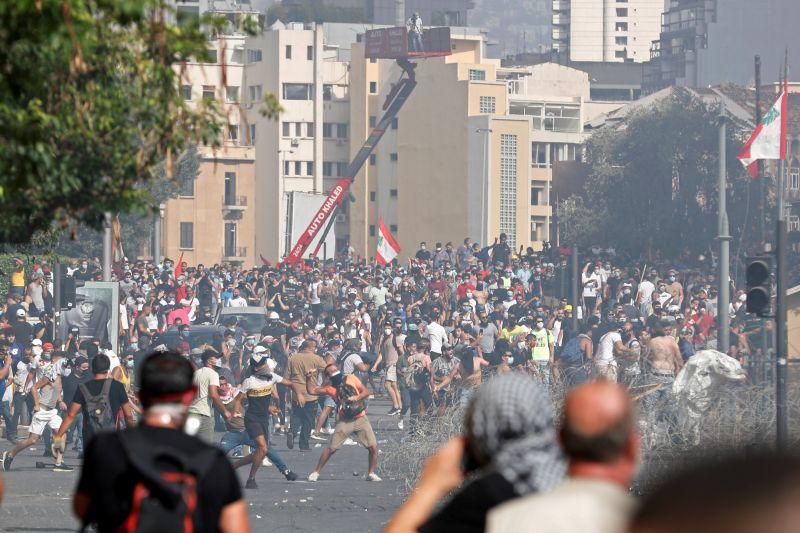 黎巴嫩上萬人抗議貝魯特大爆炸 警民衝突釀728人傷、1死