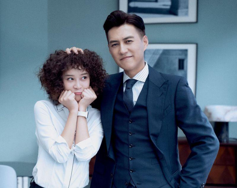 ▲《精英律師》靳東(右)、藍盈瑩主演。(圖