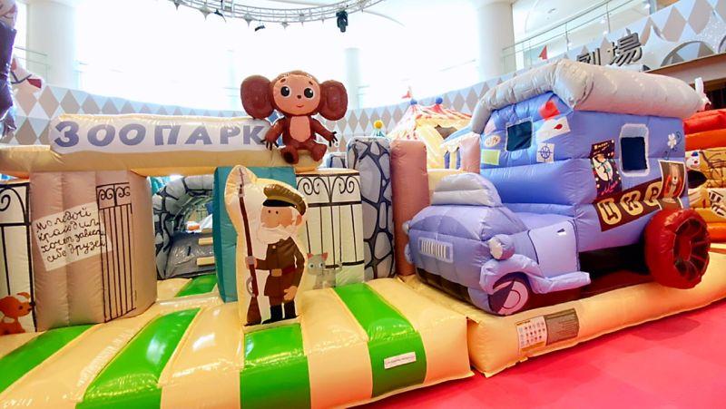 ▲大耳查布巡迴樂園有多項大型氣墊遊樂設施。(圖/大魯閣草衙道提供)