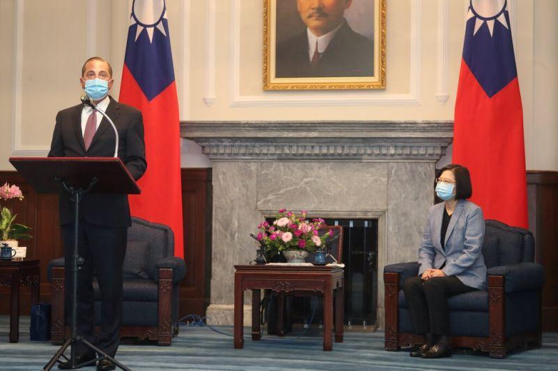 美國衛生部長肯定台灣防疫 會後再推文:感謝蔡總統