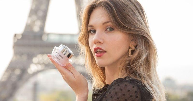 ▲蓓朵娜「粉鑽瓶」不僅受田中千繪青睞代言,更曾再巴黎時裝週颳起粉紅旋風。(圖/NOWnews資料照片)