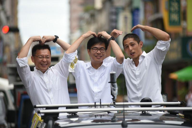 「農」捲風!吳怡農陪陳其邁車掃 聲援香港捍衛自由