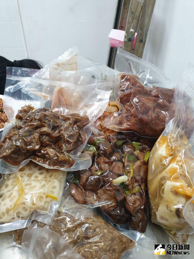 ▲傅記上海菜除了在市場賣熟食,第二代接手後也推出冷凍料理包搶攻宅經濟。(圖/金武鳳攝,2020.8.12)