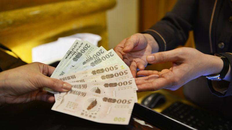 ▲漢來大飯店推出「三倍券放大了」活動,刺激民眾將手中的三倍券一次運用於旅遊住宿。(圖/漢來大飯店提供)
