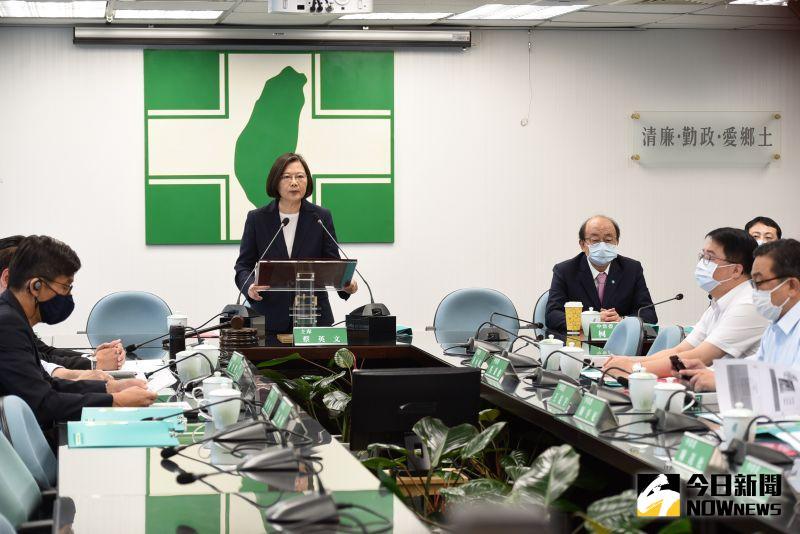 影/香港局勢詭變 蔡英文:堅定支持港人追求自由民主