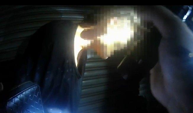 ▲▲過程中,何男不斷掙扎並做勢要向員警拳打腳踢,為確保雙方安全,警方才使用辣椒噴霧器噴灑。(圖/記者郭凱杰攝,2020.08.12)