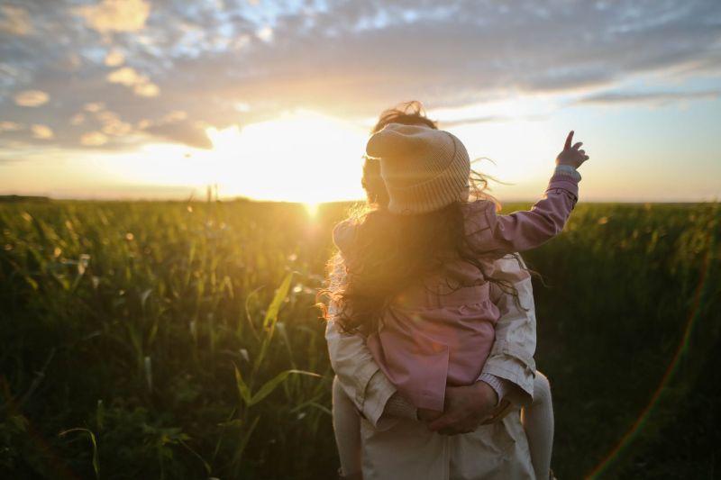 爸說謊「死後下<b>地獄</b>」!7歲女兒神回 全場淚崩:太暖