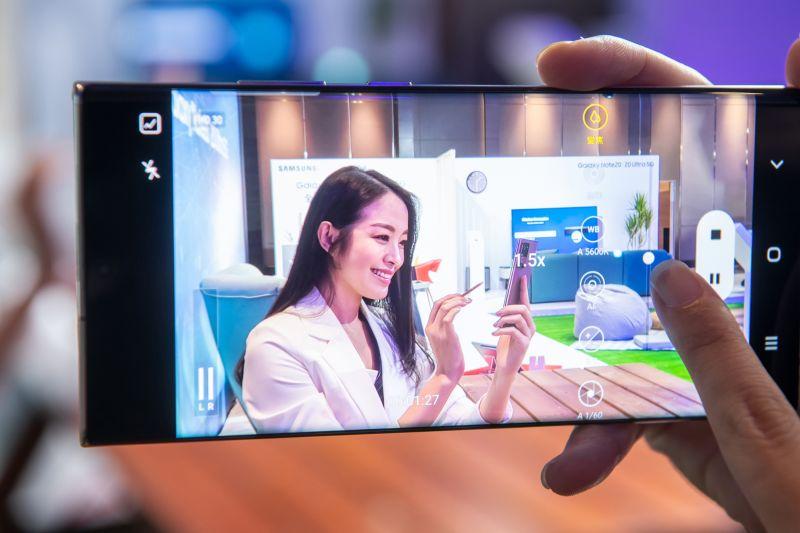 三星5G旗艦手機17日開放預購!售價3.59萬起 登錄贈耳機