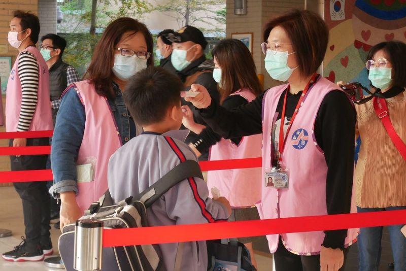 開學在即!學生入校、打菜要戴口罩 教育局提醒家長準備