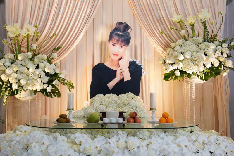 ▲羅霈穎公祭上播放的歌曲是她生前最愛的曲子,于美人現場念歌詞表達對羅霈穎的思念。(圖/冬瓜行旅(小冬瓜)提供)