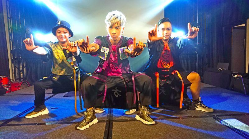 ▲男團Xunday推出新單曲《扎個馬步先》。(圖/尬音樂提供)