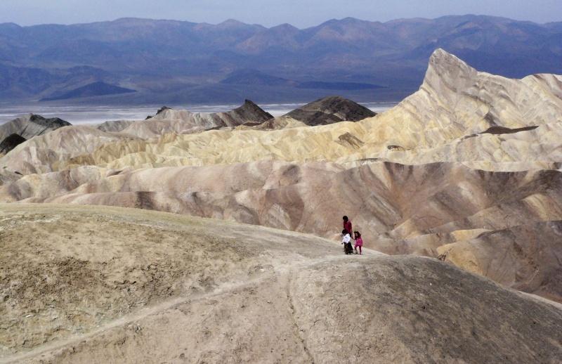 ▲位於加州的死谷,因為其地理位置配合氣候條件,夏天時常炎熱過人,本月 16 日甚至錄得攝氏 54.4 度的高溫。資料照。(圖/美聯社/達志影像)