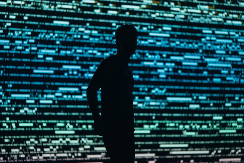 ▲路透社報導,知情人士指出,一個有外國政府支持的技術熟練駭客組織竊取了美國財政部和商務部國家電信暨資訊署的資訊,由於這次攻擊相當嚴重,白宮國家安全會議為此事開會。示意圖。(圖/取自 Unsplash )
