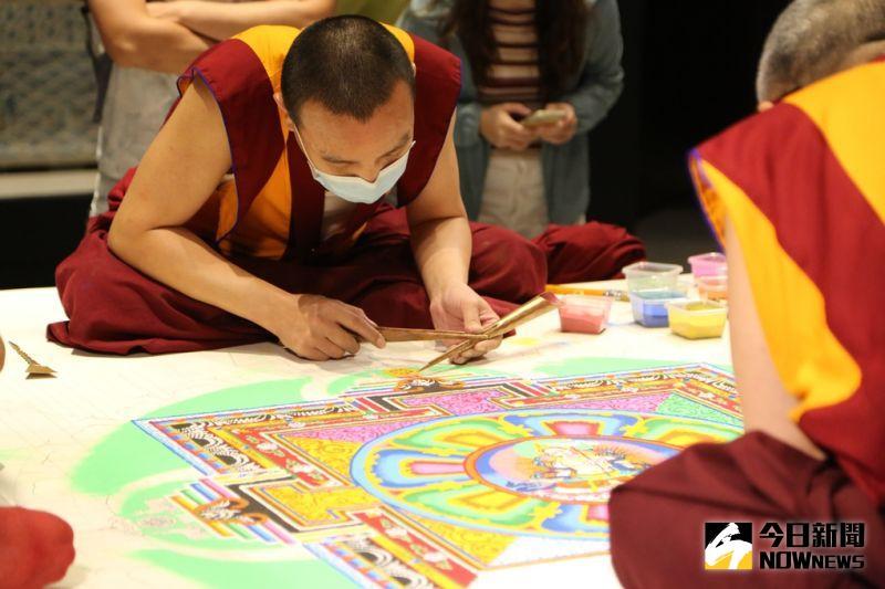 故宮首次大型藏傳佛教藝術特展 南部院區砌繪砂壇城首展