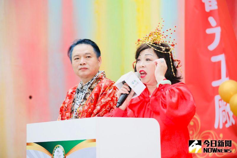 ▲總裁呂婕瑛指出,讓全世界的人都想要飛到台灣來,買最好的美容保養品,帶動桃園的工商及觀光產業。(圖/記者李春台攝,