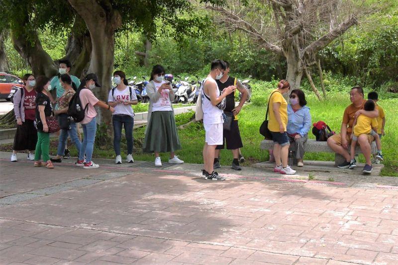 ▲參加采風錄旅行社的金門3天2夜旅遊團,30名團員被丟包在太武山下。(圖/記者蔡若喬攝)