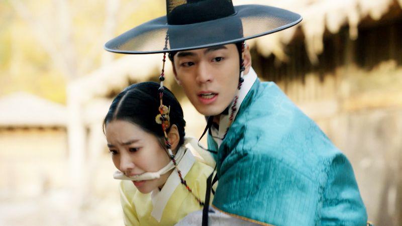 ▲金旻奎(右)劇中錯把陳世娫當成初戀。(圖/東森戲劇)