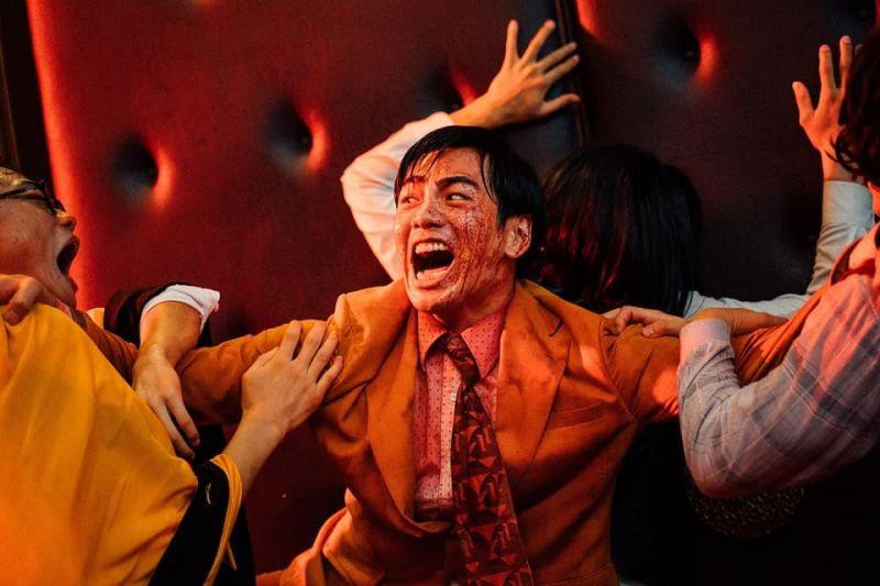▲禾浩辰(中)在《逃出立法院》有很不一樣的演出。(圖/華映娛樂)