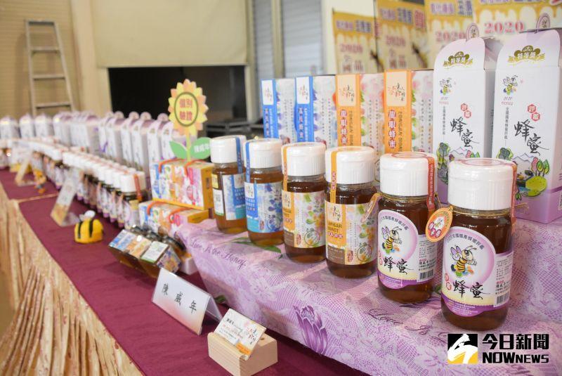 ▲王惠美說,彰化縣生產的龍眼蜂蜜絕對是臺灣第一名。(圖/記者陳雅芳攝,2020.08.19)