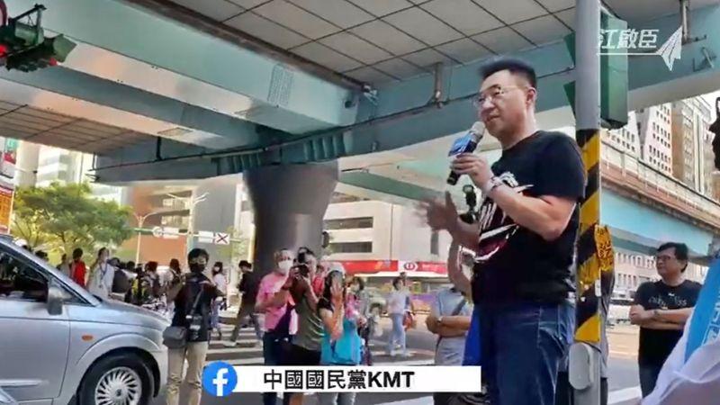 江啟臣站街頭<b>演講</b> 籲民眾連署「公投綁大選」