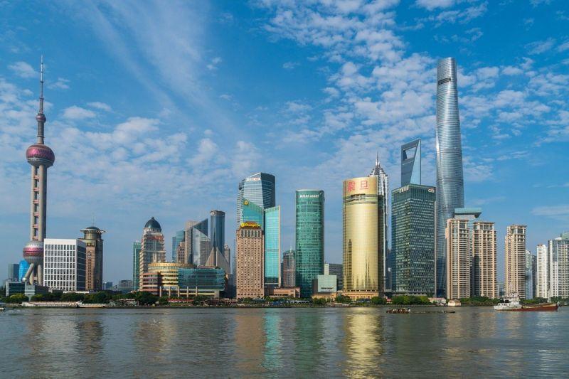 ▲全球數據庫《Numbeo》公布2020年的全球年中房價所得比排名。圖為上海。(示意圖/翻攝自Pixabay)