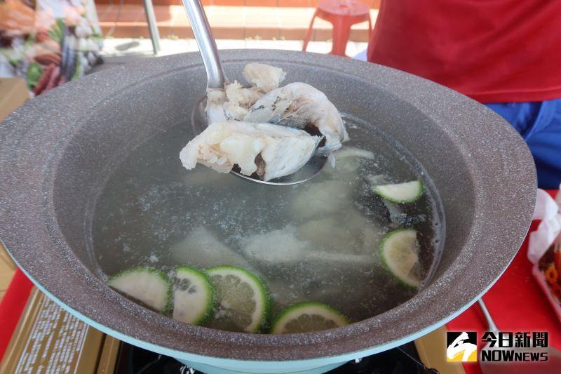 ▲「吃檸檬長大的鱸魚,料理後在口中會自然散發檸檬味。(圖/記者陳雅芳攝,2020.08.23)