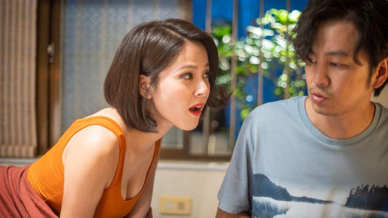 ▲《我的婆婆》蘇晏霈(左)展開攻勢倒追發貴。(圖 / 公視提供)