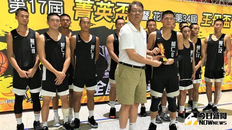 菁英盃/能仁獲菁英盃季軍 花蓮小孩陳致翰回家更帶勁