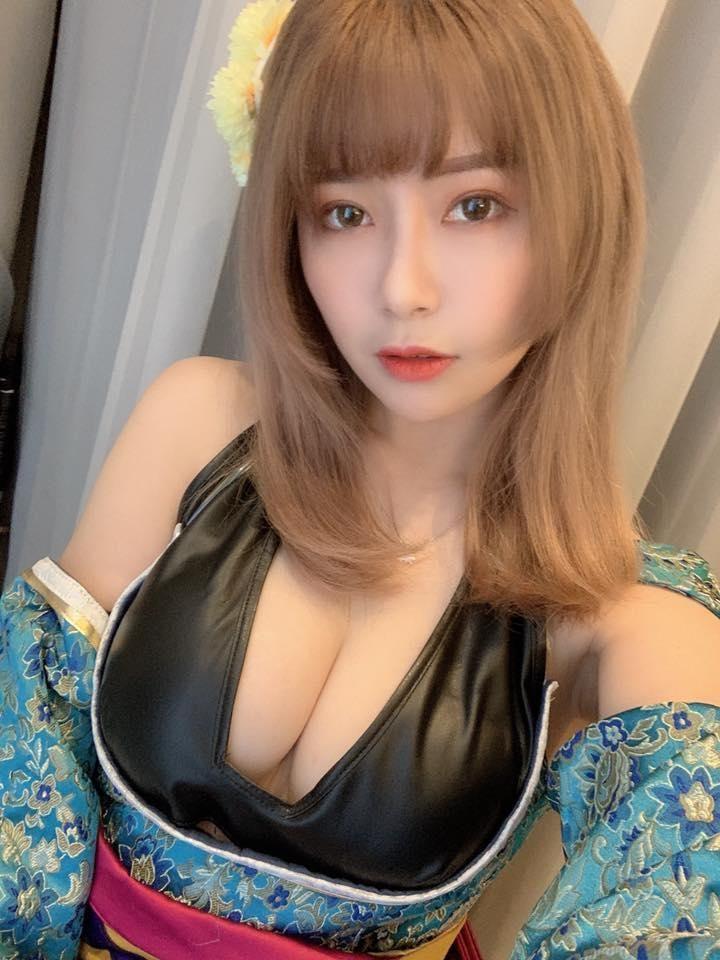 ▲阿樂長相甜美、身材惹火,有「隱乳女神」封號。(圖/阿樂臉書)