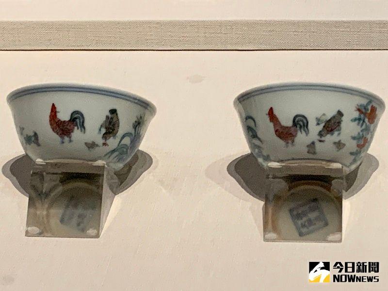▲明朝成化年間運用二次燒製技術製成的鬥彩雞缸杯,全世界僅存19隻,嘉義故宮一口氣展出6隻。(圖/記者康子仁攝)