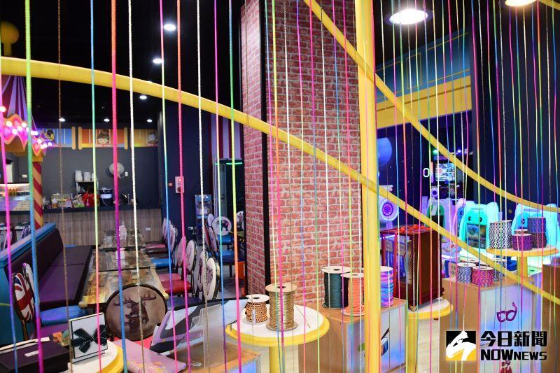 ▲織帶工廠已經營30餘年,希望由年輕人接手轉型經營文創類的物品並結合傳統產業,發揚織帶相關行業。(圖/記者陳雅芳攝,2020.08.26)