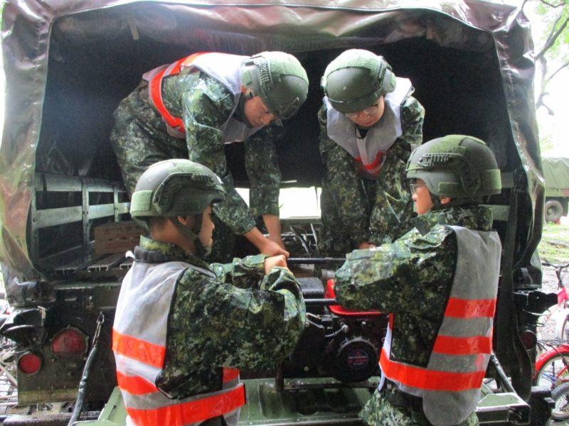 ▲屏東災防區333旅完成災防人員編組及救災機具整備。(圖/第四作站區提供)