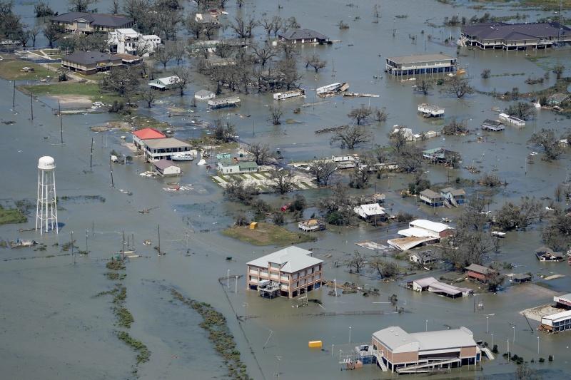 當地百年最強颶風!<b>蘿拉</b>登陸路州 狂風暴雨釀致命災害