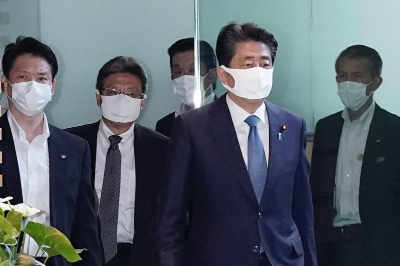 ▲日本首相安倍晉三因潰瘍性大腸炎惡化,正式宣布辭去首相職務。(圖/美聯社/達志影像)