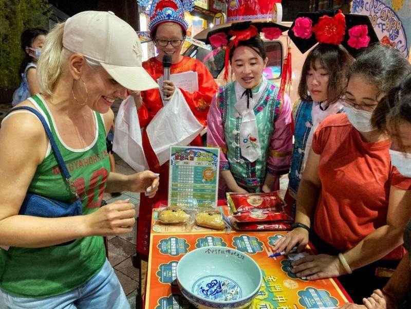 金門縣政府在台灣辦快閃博餅體驗