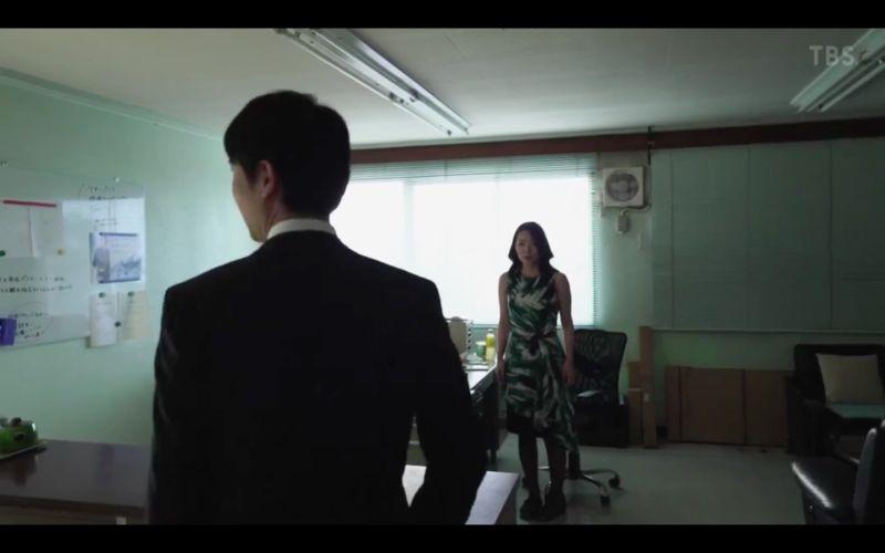 ▲階戶瑠李在《半澤直樹2》第5集飾演懶散職員。(圖/翻攝TBS)
