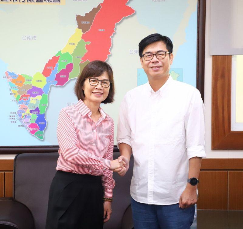 上任第八天 陳其邁拜會議長曾麗燕