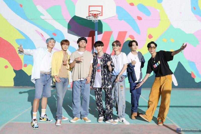 韓星第一團!BTS新歌空降告示牌冠軍 文在寅:輝煌壯舉