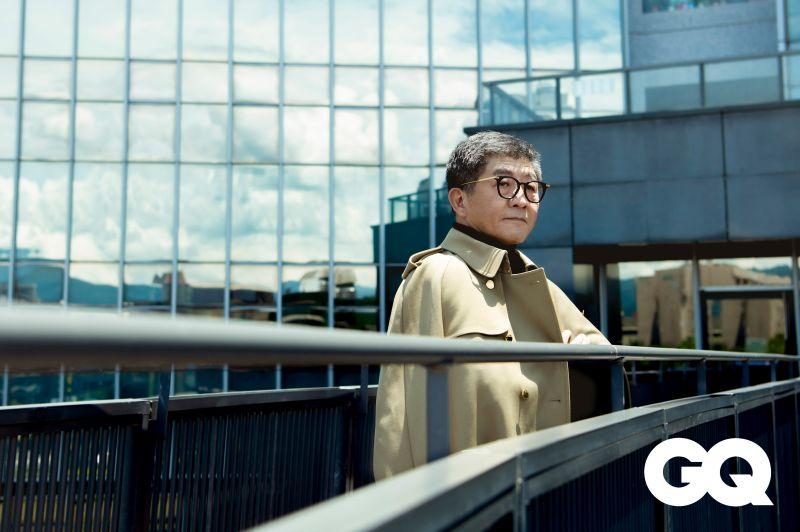 ▲中央流行疫情指揮中心指揮官陳時中,登上時尚雜誌《GQ》9月封面人物。(圖/GQ雜誌提供)