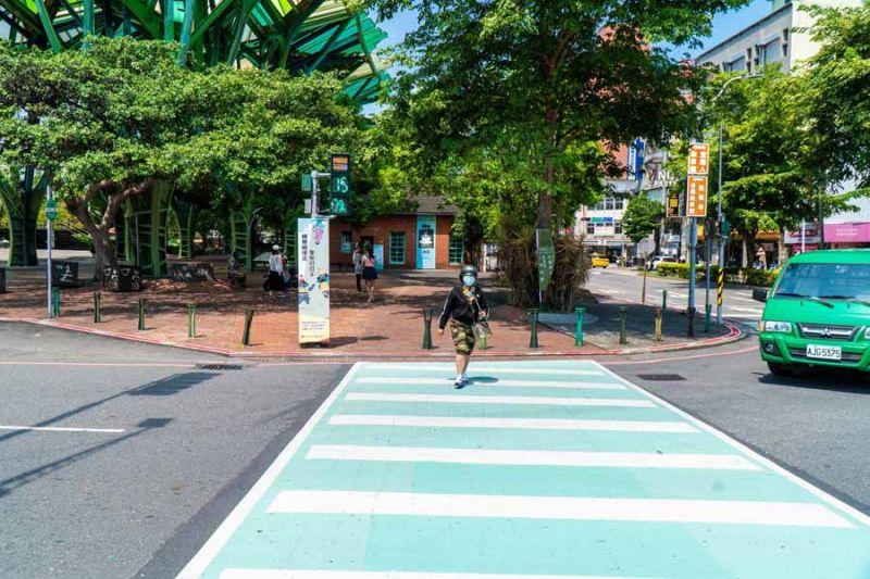 宜蘭首創會唱歌的交通號誌 提醒用路人注意安全