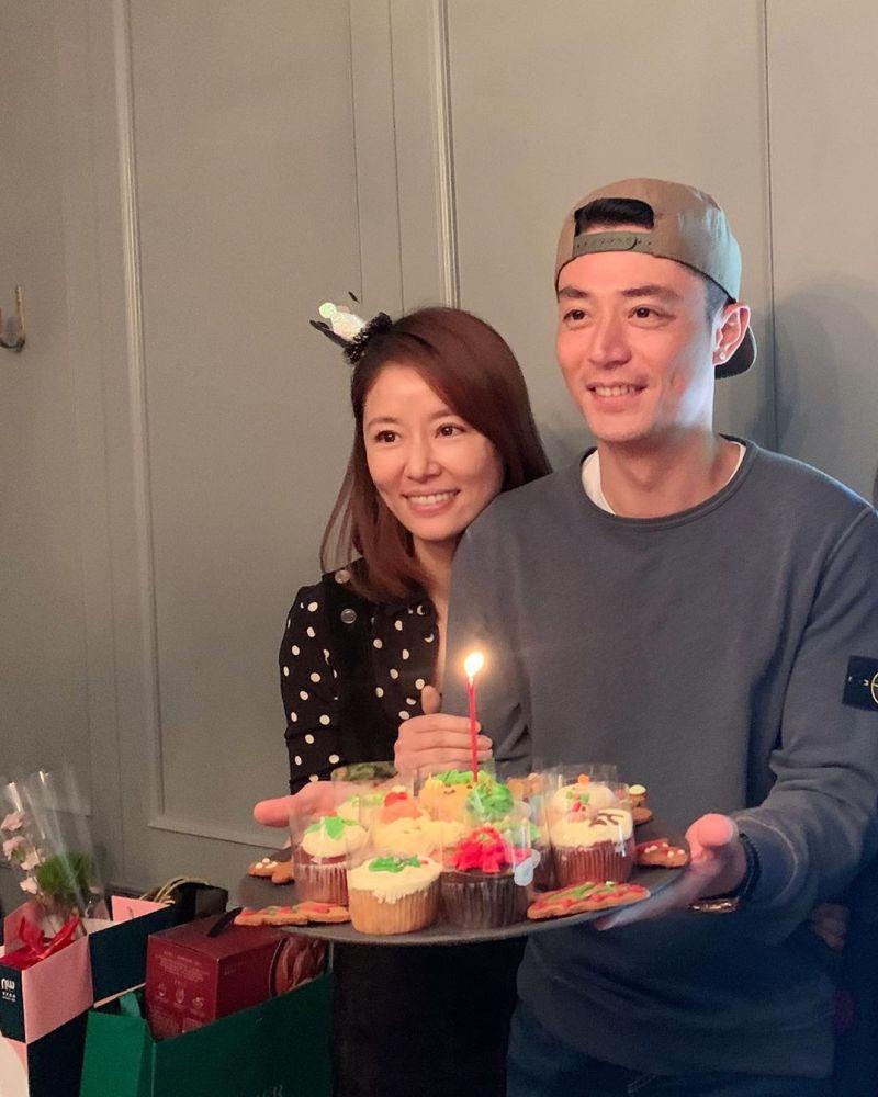 ▲林心如(左)2016年嫁給小3歲的霍建華(右)。(圖/林心如IG)