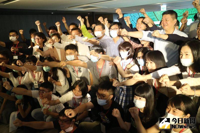 湧言文化基金會今(5)日起在高雄金獅湖大酒店舉辦首場的青年營隊。(記者鄭婷襄攝,2020.09.05)