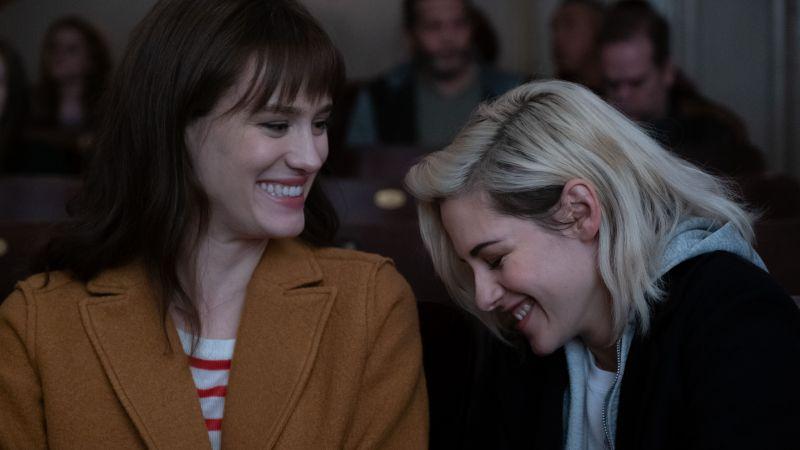 ▲克莉絲汀史都華在片中,與麥坎西戴維斯(左)飾演一對情侶。(圖/索尼影業)