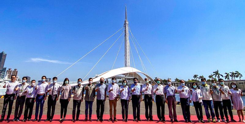 高雄市港觀光里程碑 總統蔡英文到高雄港大港橋<b>視察</b>