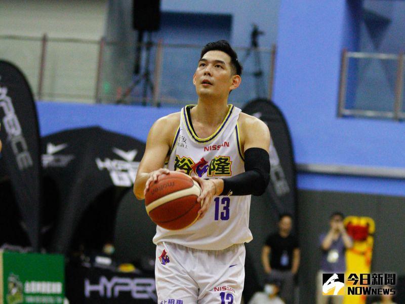籃球/裕隆夏季挑戰賽6勝1敗奪冠 <b>呂政儒</b>獲選為MVP