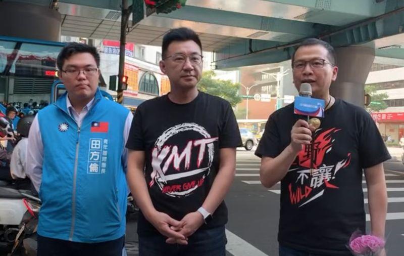 ▲國民黨主席江啟臣,日前在羅智強進行路邊街講時,也到場聲援。(圖/翻攝羅智強臉書)