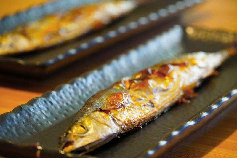 秋刀魚「內臟」超苦卻不拿掉?老饕分享銷魂吃法:會回甘